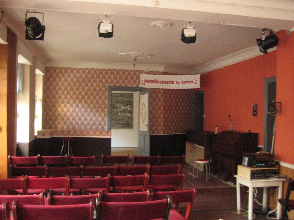 Stefanie Aehnelt & Florian Kröckel / Heimathafen Neukölln - ein modernes Volkstheater
